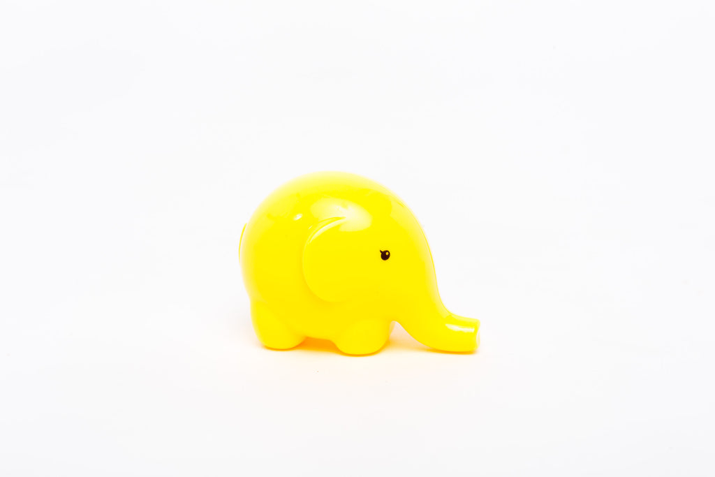 elephant sharpener - yellow