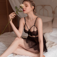 Sexy Mousse Sleep Wear Evening Nightgown With Thong Sexy Mesh Lace Embroidery Short Hot Backless Young Girl See Through Deep V