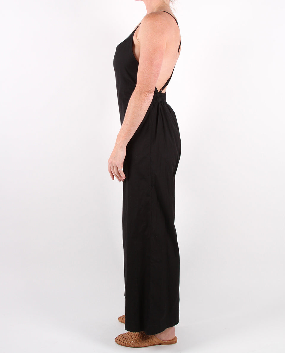 VALDA JUMPSUIT -BLACK