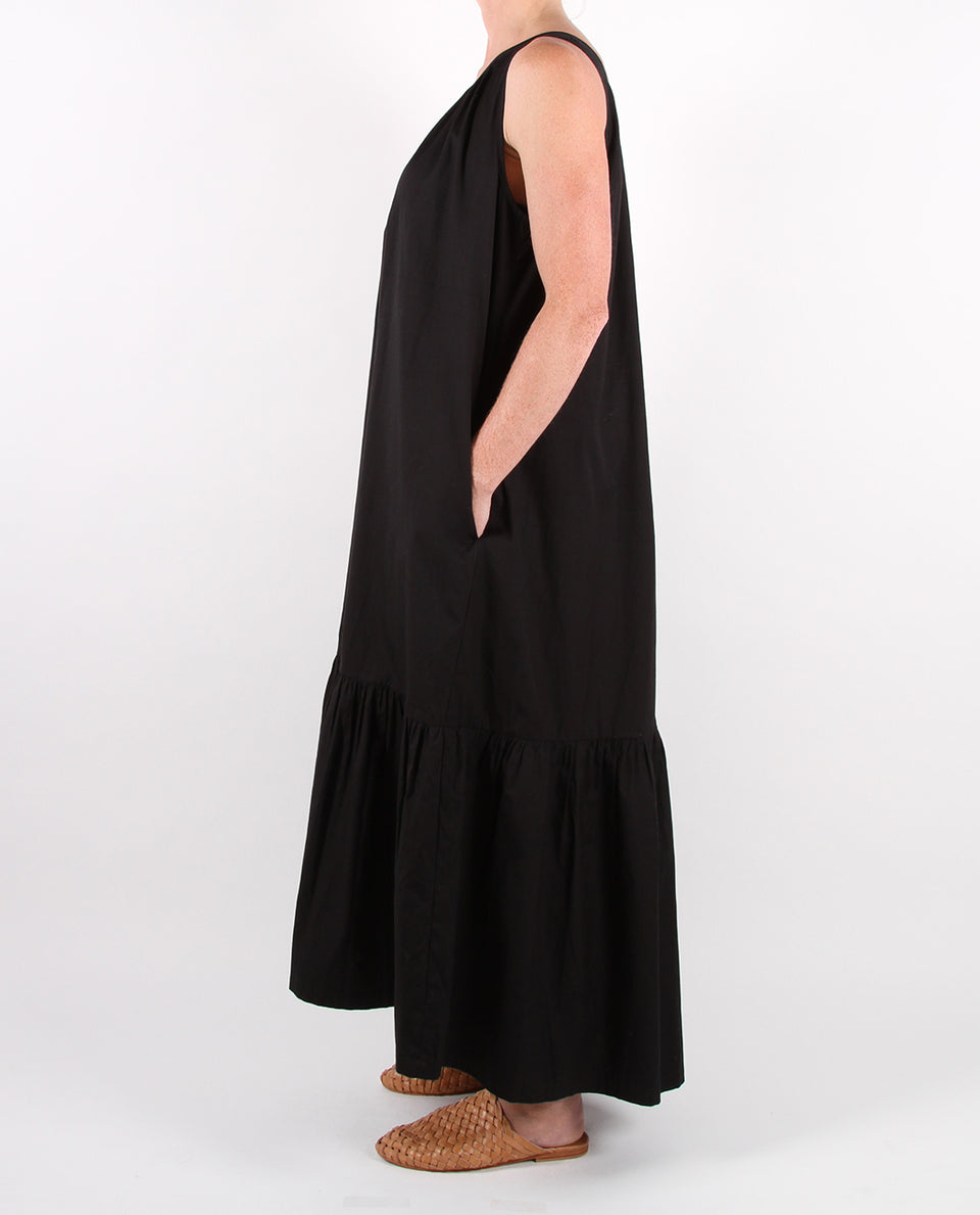 ONE SHOULDER MAXI DRESS - BLACK