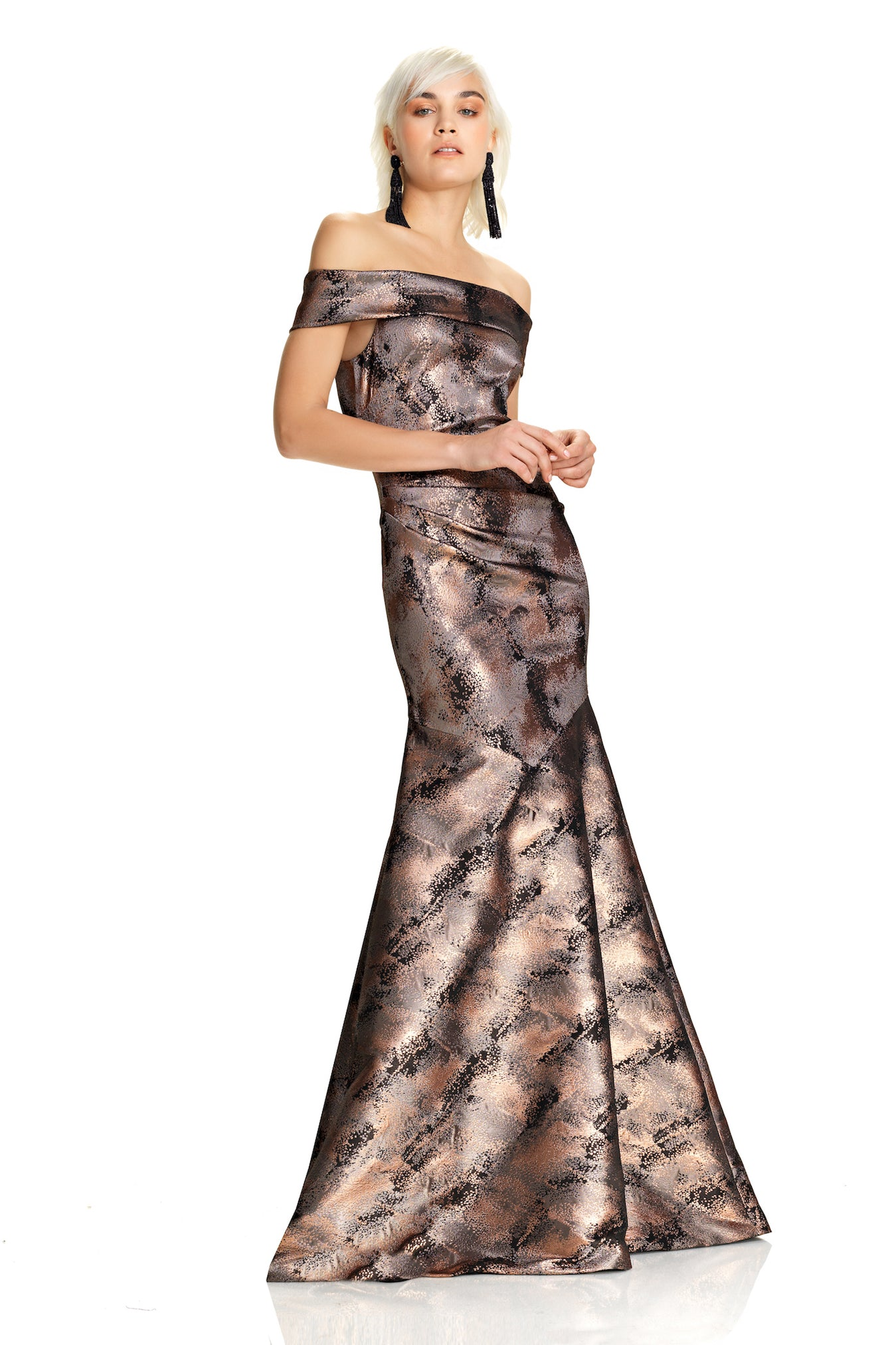 Off The Shoulder Metallic Gown – THEIA