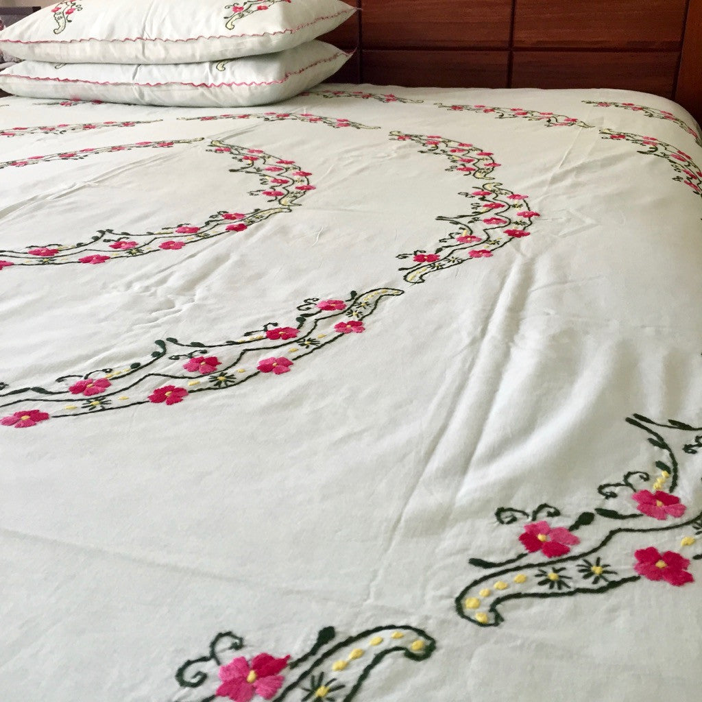 Rani Embroidered Bedsheet set