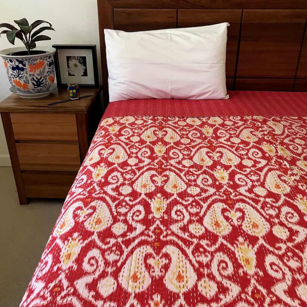 laminate and bedding white cover on nautical comforters floor by quilts beach added bedroom set blue red wonderful quilt beige over navy pillow seahorse themed