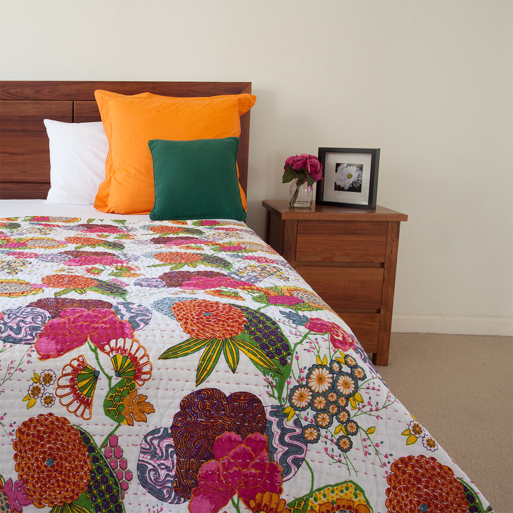 Floral-Kantha-Quilt-Bedspread-The-Hues-of-India