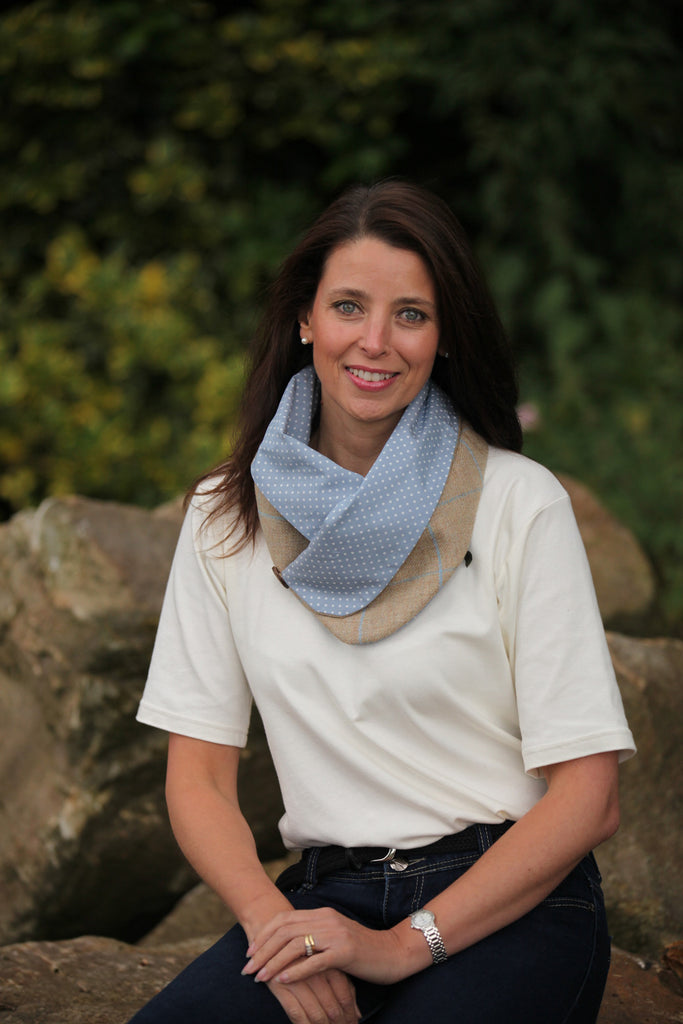Spotted Snood- Natural and Blue Check