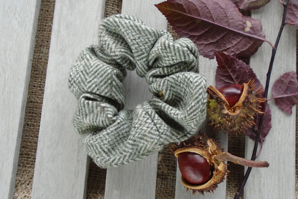 Scrunchie- Olive & cream Herringbone