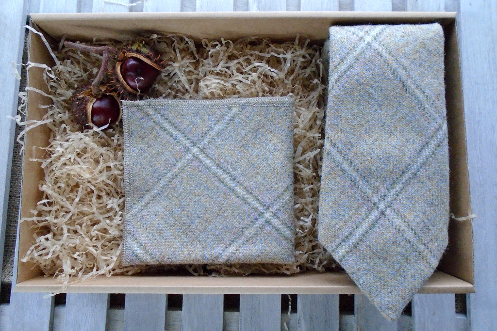 Barn Owl Tweed Tie Gift Box
