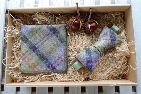 Thistle Bow Tie Gift Box