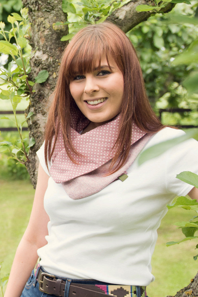 Spotted Snood- Pink Herringbone