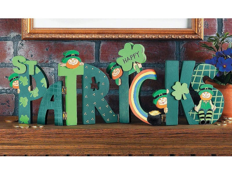 St. Patrick's Day Mantle and Table Decor (Hand Painted)