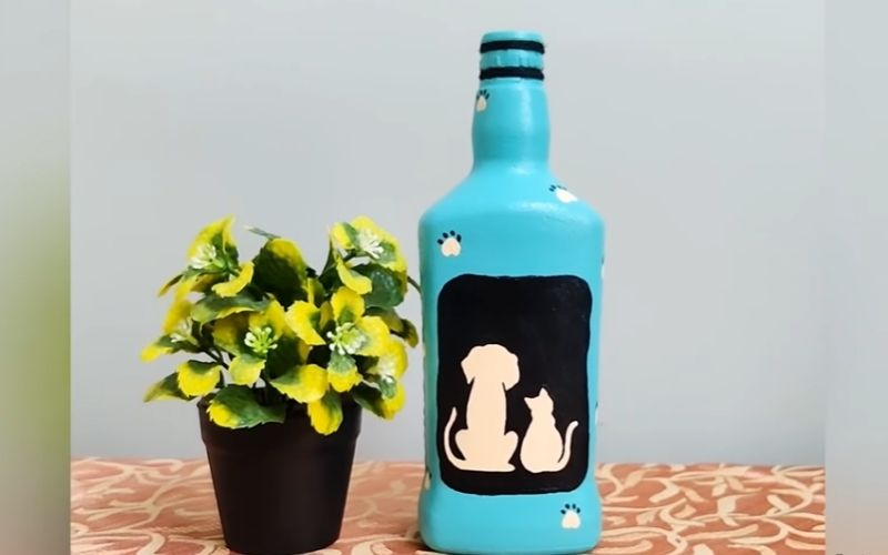 Glass Bottle with Pet-Themed Painting