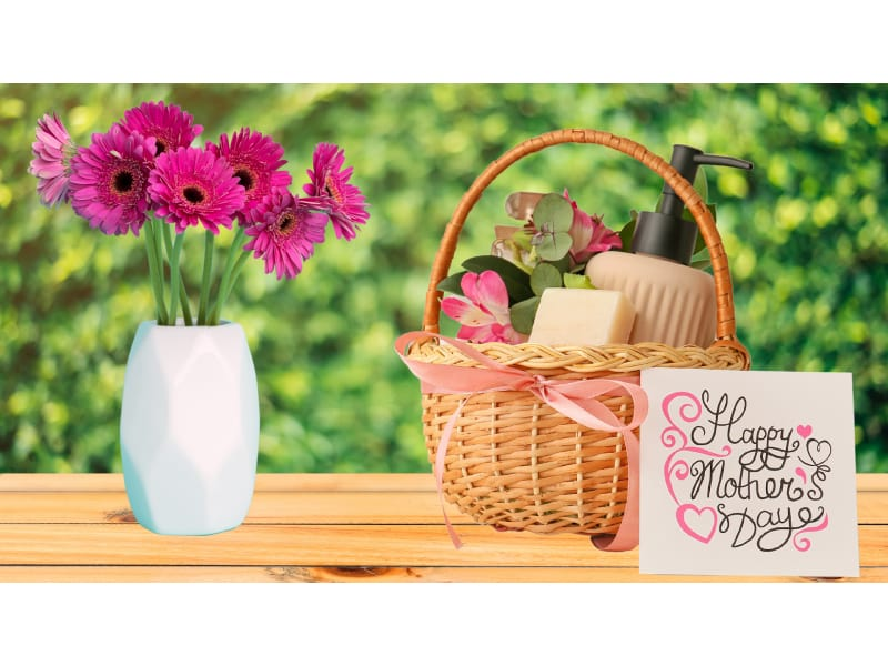 40 Fun Craft Ideas: How To Make A Mother's Day Gift Basket