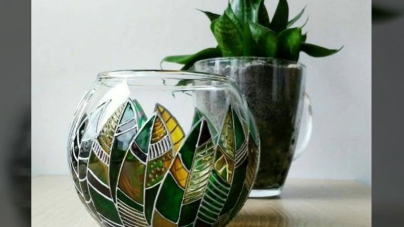 Painting on fishbowl planters