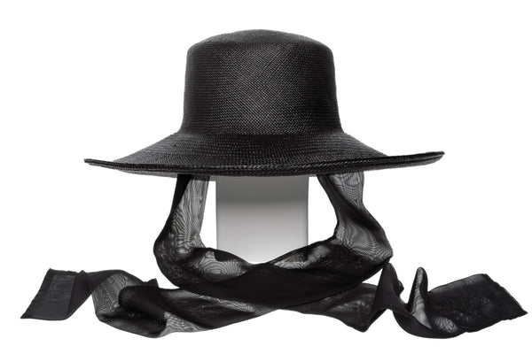 Pearl Hat w. Neck Scarf in Black Panama Straw - CLYDE