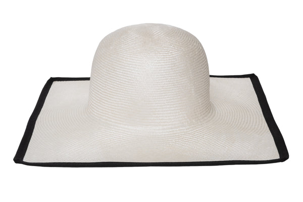 Square Hat in Ivory - CLYDE