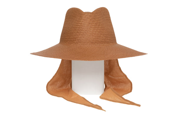 Caro Hat w. Neck Shade in Terra Panama Straw - CLYDE