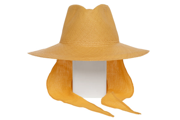Caro Hat w. Neck Shade in Apricot Panama Straw - CLYDE
