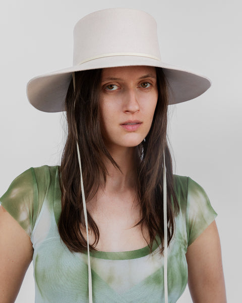 Gaucho Hat in Alabaster Suede - CLYDE