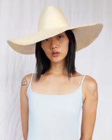 Wide Brim Pinch Hat w. Pin in Natural / White Blend - CLYDE