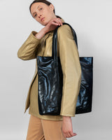 Lucid Tote in Black - CLYDE