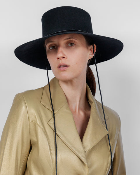 Gaucho Hat in Black Suede - CLYDE