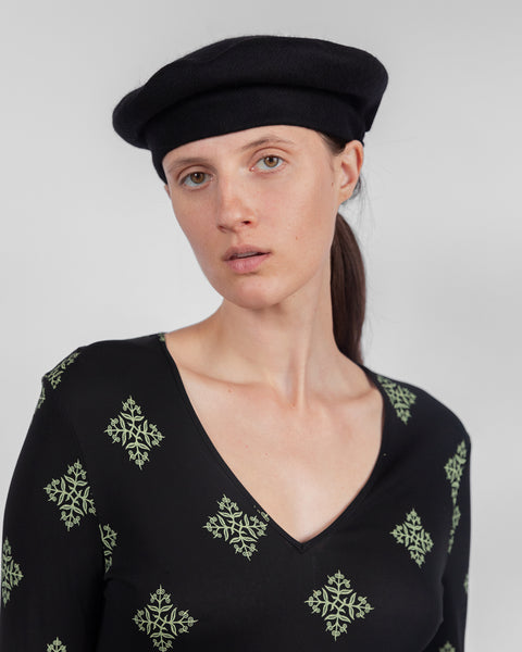 Classic Beret in Black Wool - CLYDE