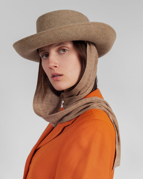 Gambler Hat in Camel Salome w. Neck Scarf - CLYDE