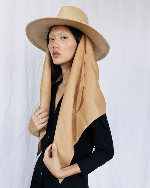 Pinch Panama Hat in Camel Glazed Toyo w. Linen Neck Scarf