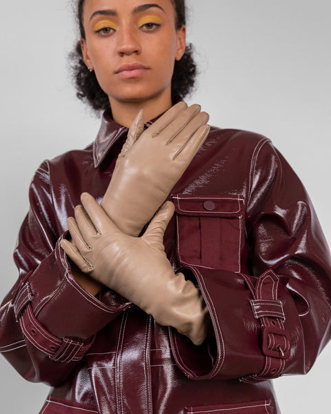 Lambskin Gloves in Tan - CLYDE