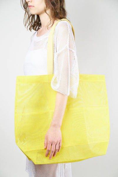 Universal Tote in Canary