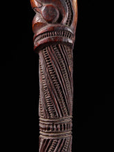 Charger l'image dans la galerie, Very elegant Tokotoko, carved Maori Walking or Orators stick.