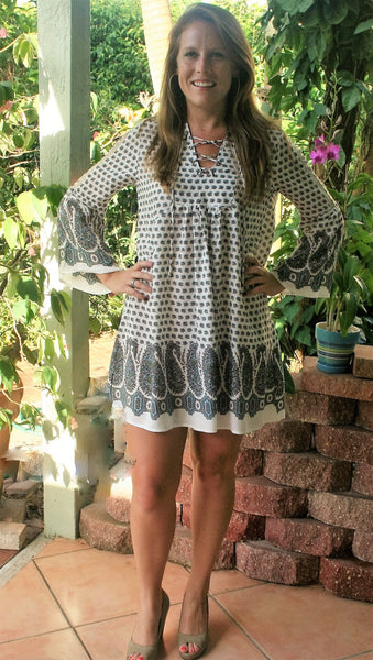 Ivory Paisley Print Lace Up Dress