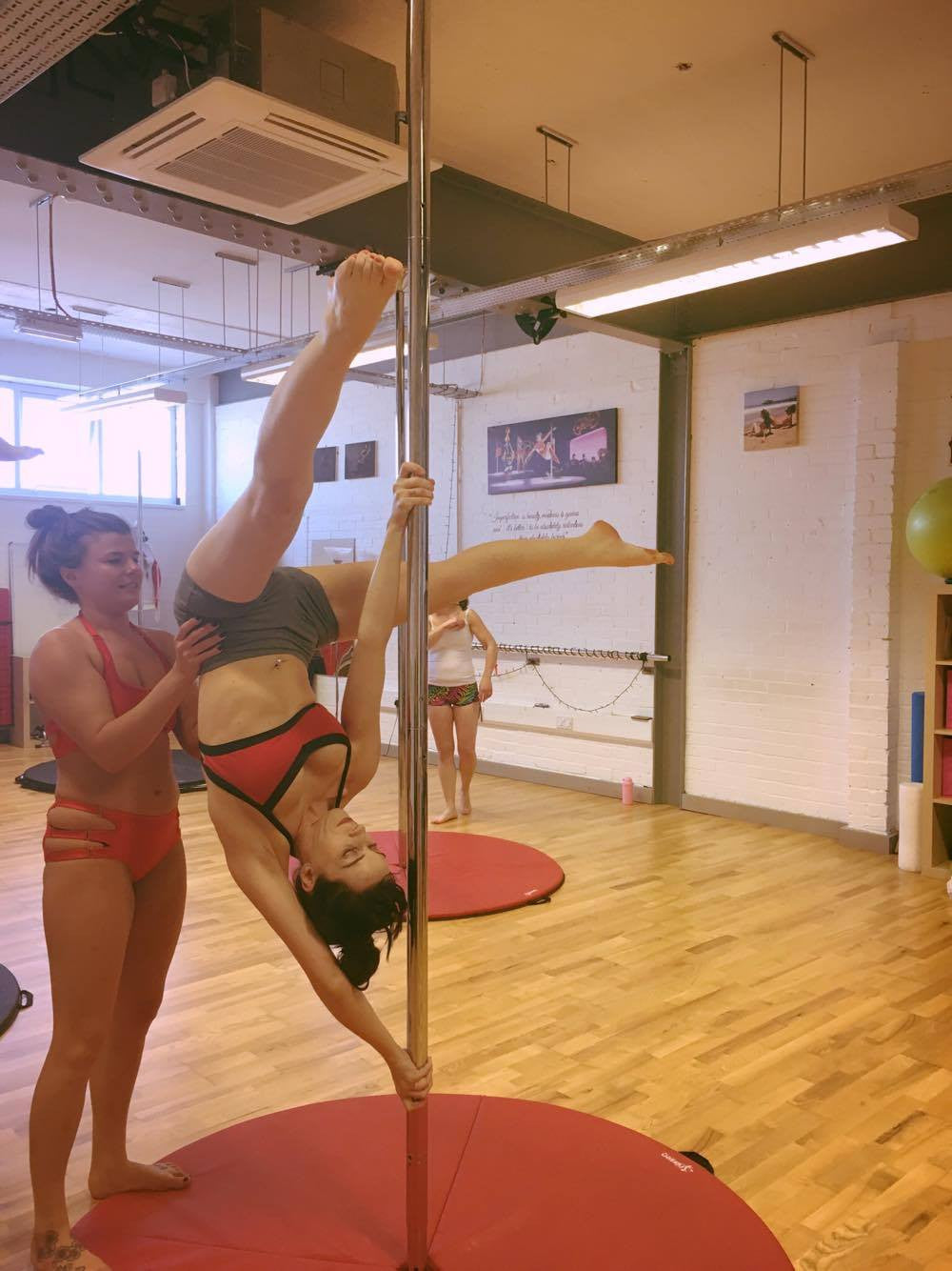 """I Love This Move - But I've Learnt It Wrong!"" - Liz's Pole Adventures"