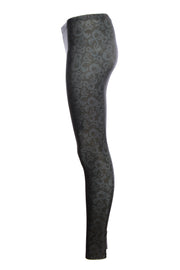 Official Dungeons & Dragons Small Black Logo Leggings