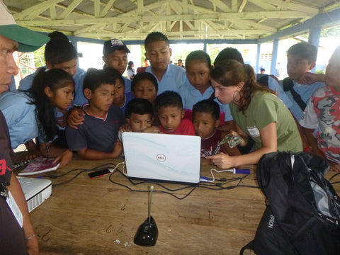 Georgina from STC teaching children in Panama about satellite tracking.