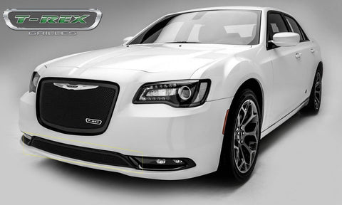 Chrysler 300 Bumper Grille 15-17 Chrysler 300 Mild Steel Powdercoat Black 1 Piece Upper Class Series T-REX Grilles