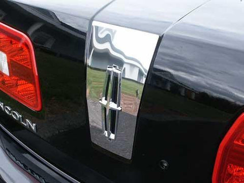QAA PART  TP47630 fits MKZ 2007-2009 LINCOLN (1 Pc: Stainless Steel Upper Trunk Accent Trim - around logo, 4-door) TP47630