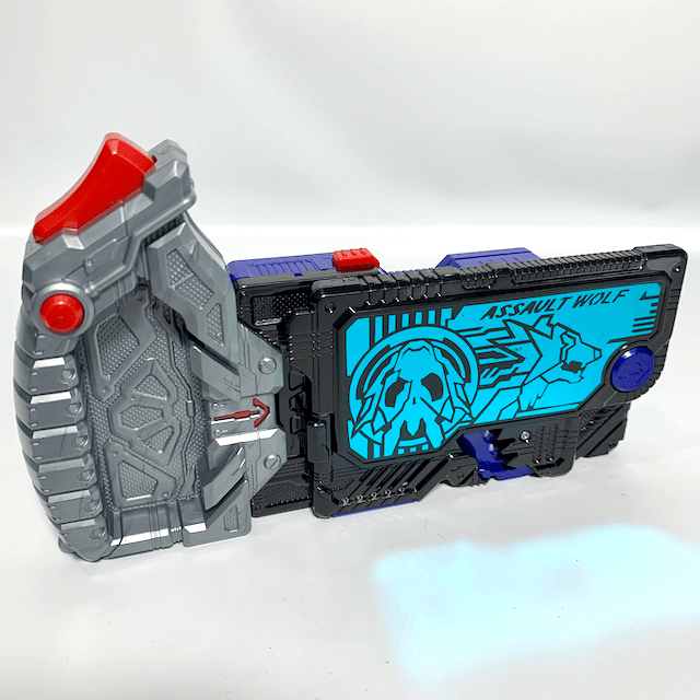 [LOOSE] Kamen Rider 01: DX Assault Wolf Progrise Key