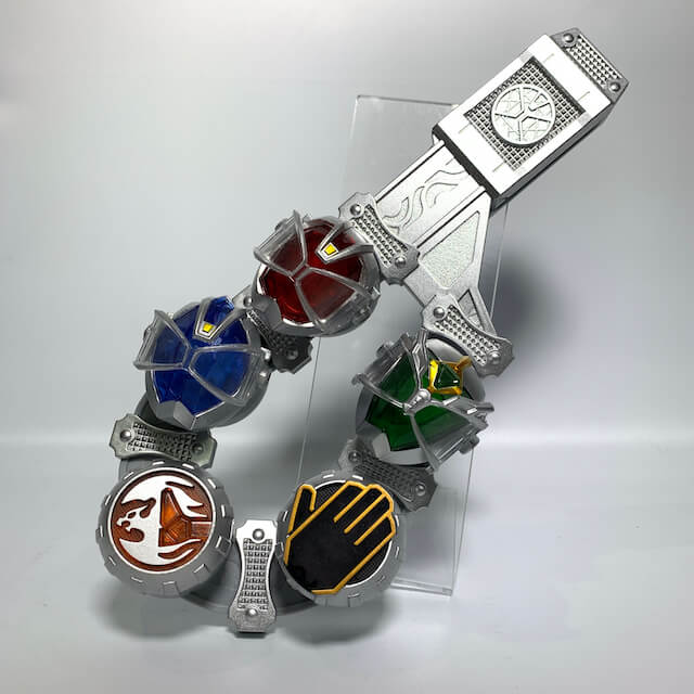 [LOOSE] Kamen Rider Wizard: DX Wizard Ring Holder with DX Wizard Rings (Flame, Water, Kick, Driver-On, + Flame Hurricane)