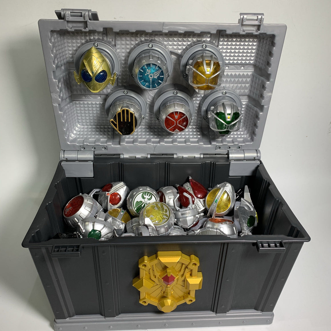 CSTOYS INTERNATIONAL:[LOOSE] Kamen Rider Wizard: DX Wizard Ring Box with Random Non-DX Wizard Rings