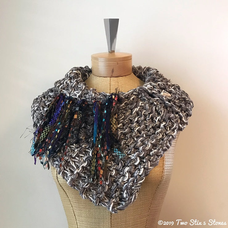 Grey & Cream Tweed Shawlette
