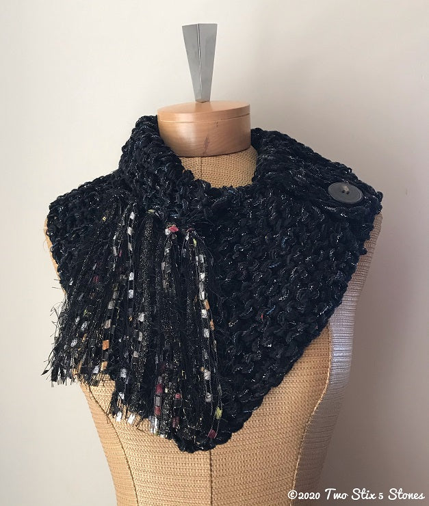 Luxe Black Tweed Shawlette