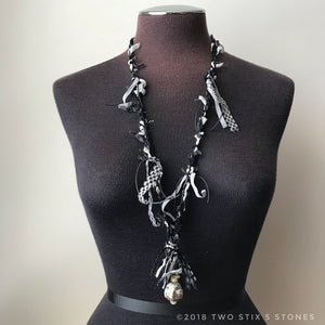 Black & White Fiber Necklace w/Stonoes (FCN027)