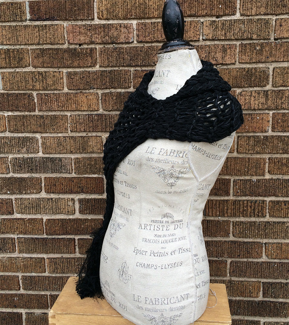 Black Tweed Shawl w/Tassel