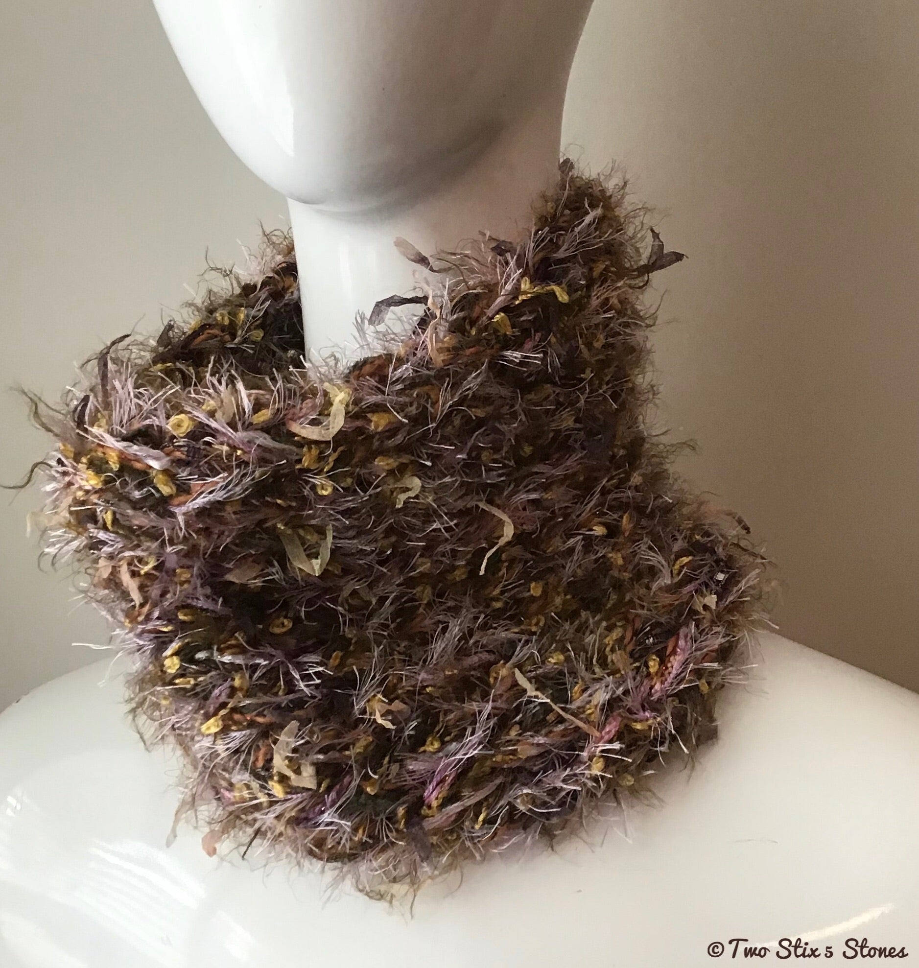 Luxe Oatmeal & Gold Tweed Cowl