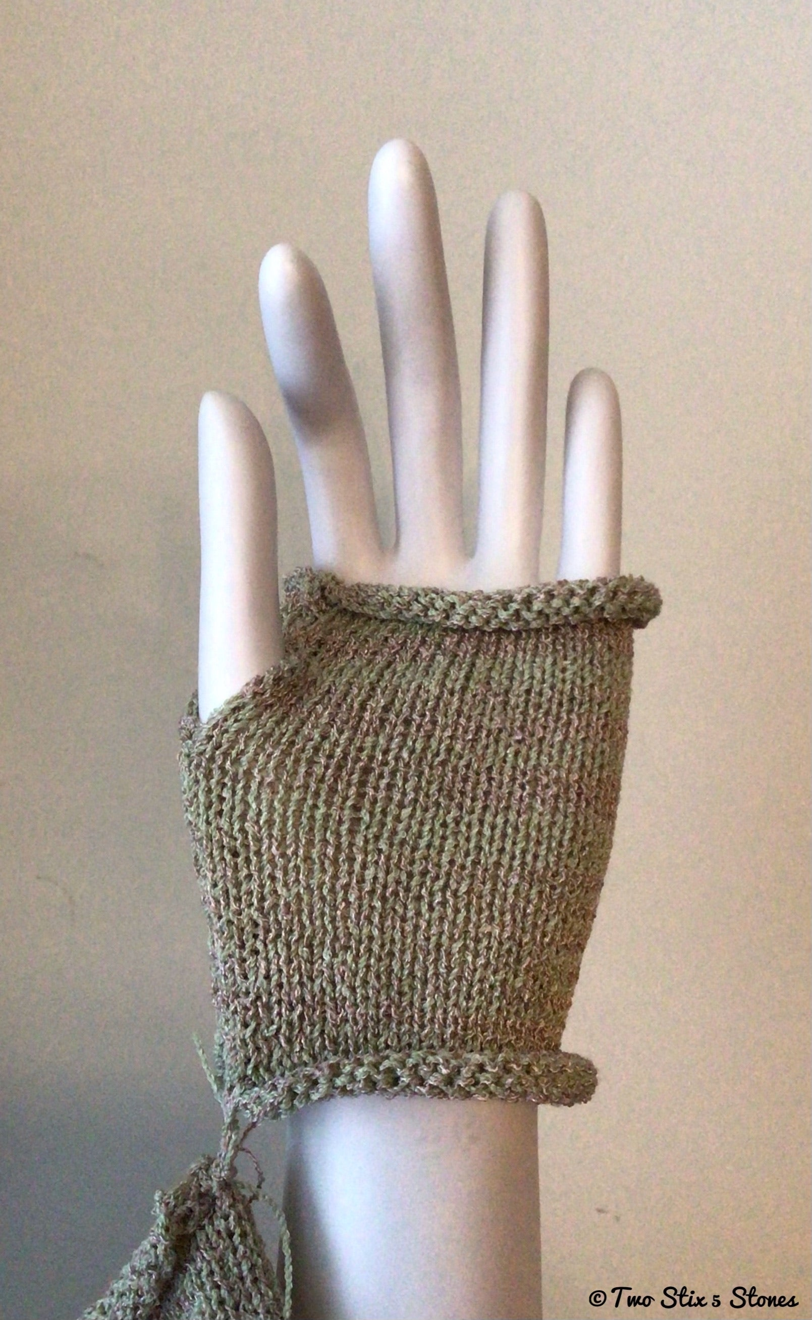 Mini Lavender Green Fingerless Gloves