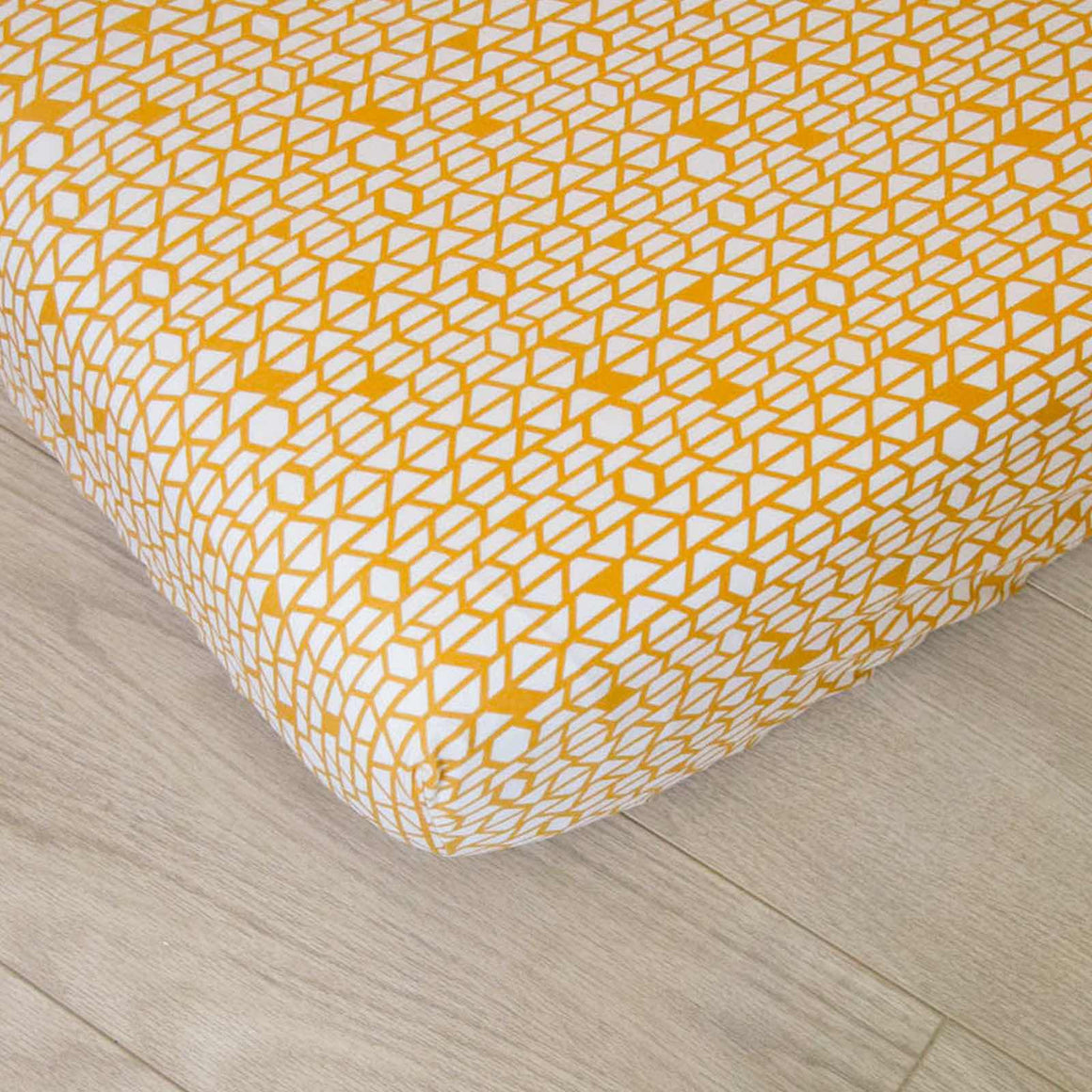 Fitted Crib Sheet - White and Gold