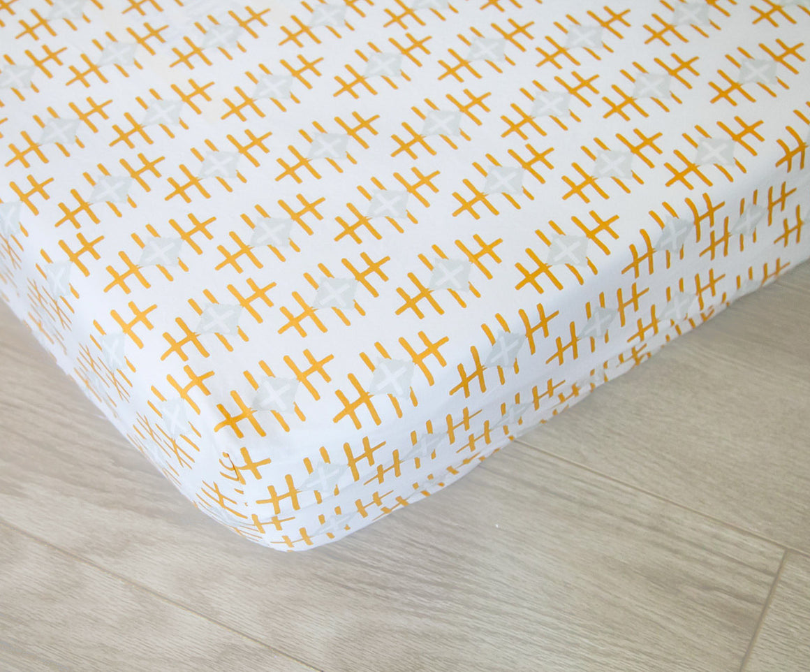 Fitted Crib Sheet - Gold and White Path Marker