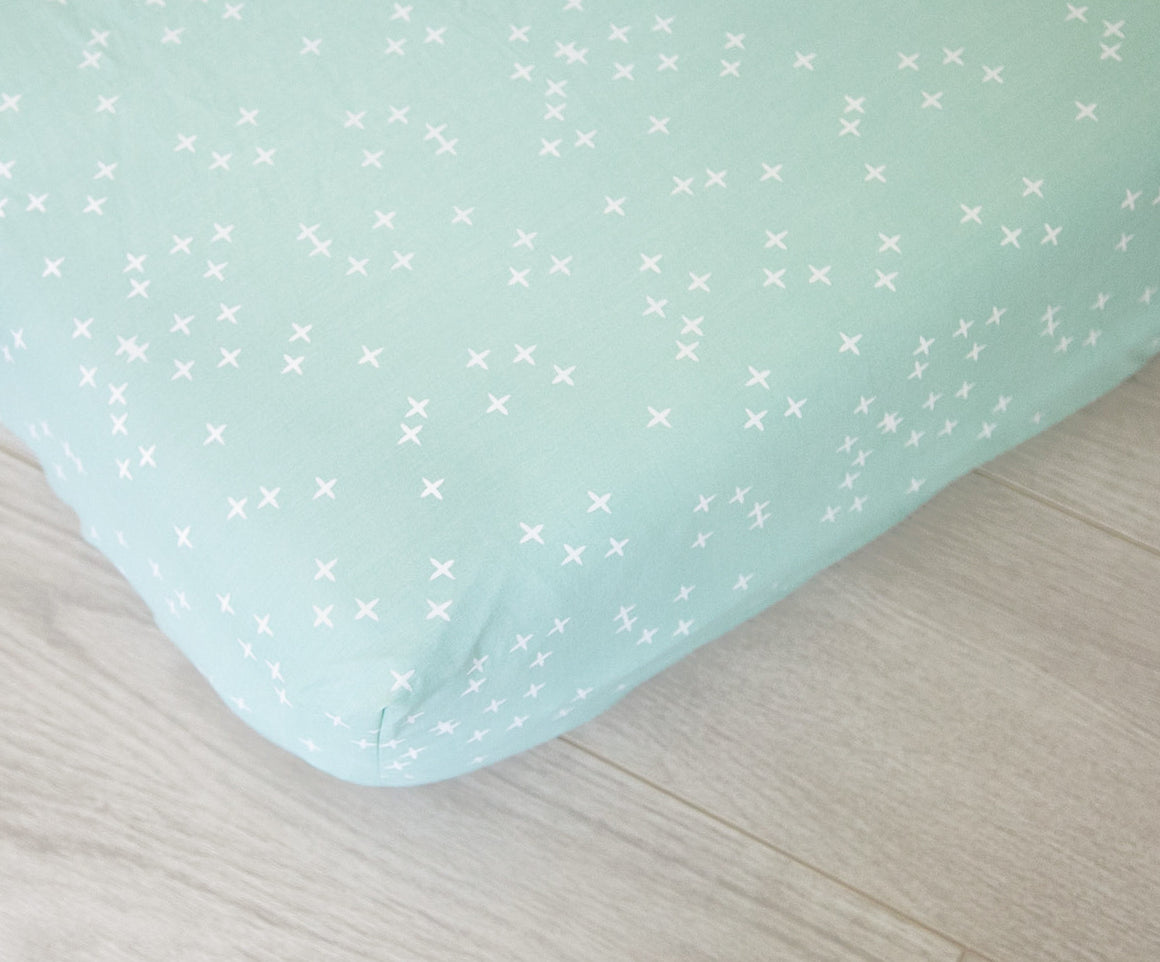 Organic Fitted Crib Sheet - Twinkle Mint