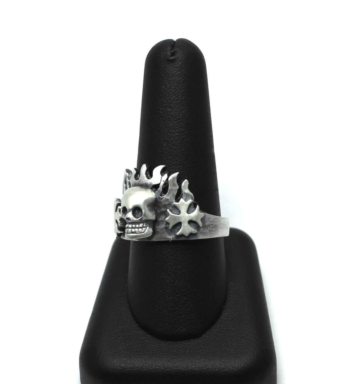 """Skull & Maltese Cross Ring w/Flames"". 925 Sterling Silver-UDINC0050"